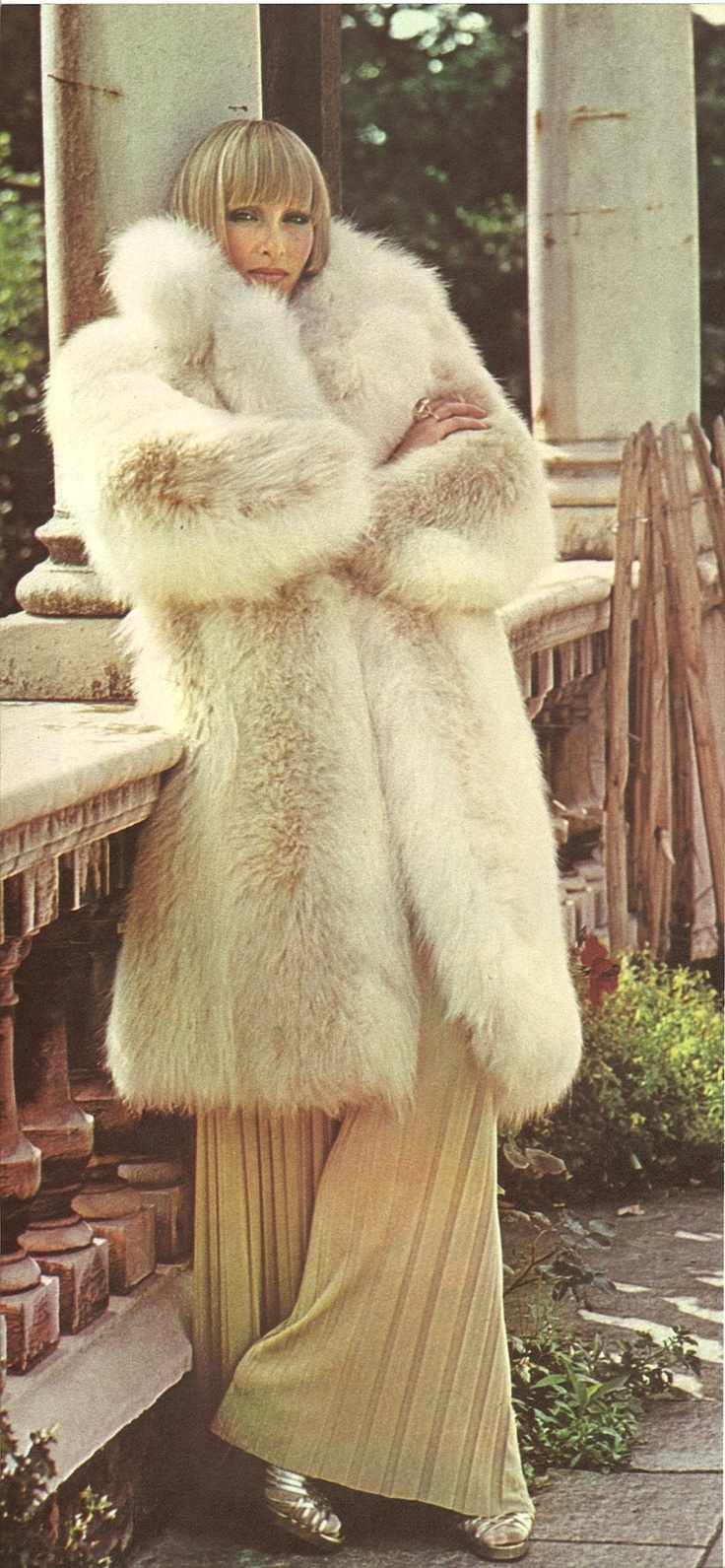 coyote fur coat | Furs &amp Softwear 14 | Pinterest | Coats Sexy and