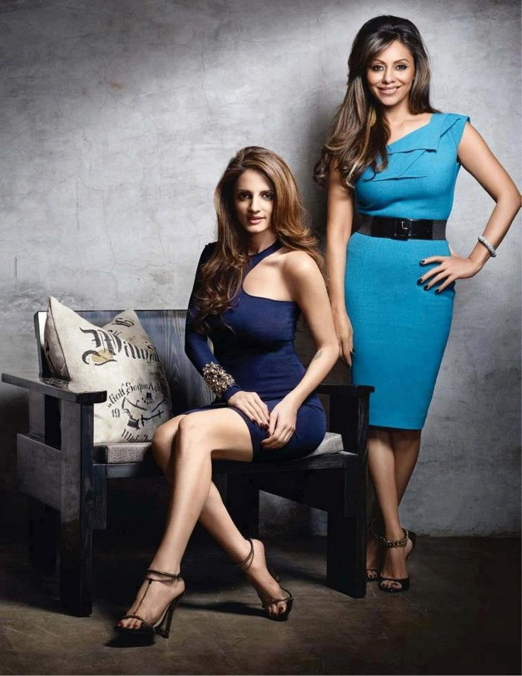 Sussanne roshan (wife of hritrik roshan) and gauri khan(wife of shah rukh khan) love their hairstyle and perfect pose.