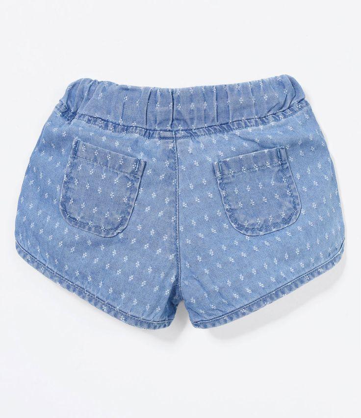 Short Infantil    Estampado    Com amarração na cintura    Marca: Teddy Boom     Tecido: jeans            Veja outras opções de     shorts e      bermudas infantis.            Teddy Boom      Quando falamos de roupas para bebê, não tem uma pessoa que não se derreta. Afinal, elas são pequenas, com cores lindas e fazem todas as mamães babarem. E na Lojas Renner você encontra roupinhas para bebês de 0 a 18 meses que agrada as mamães tradicionais, com roupas em tons claros e pouca estampa…