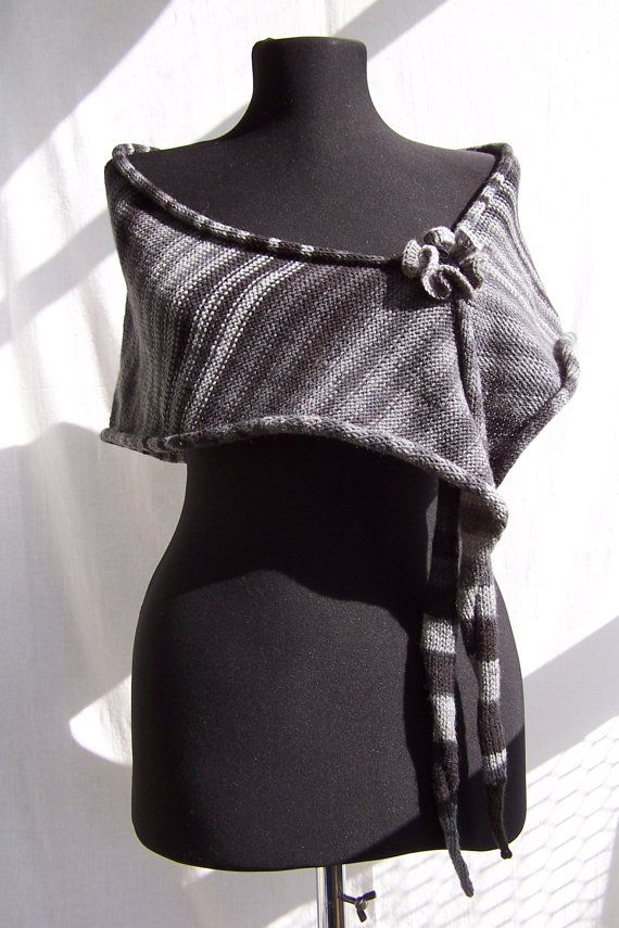 Gradient shades of gray striped unisex triangle skinny cattail scarf baktus