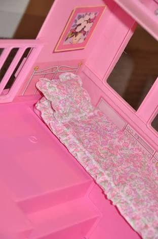 Barbie camper van bed