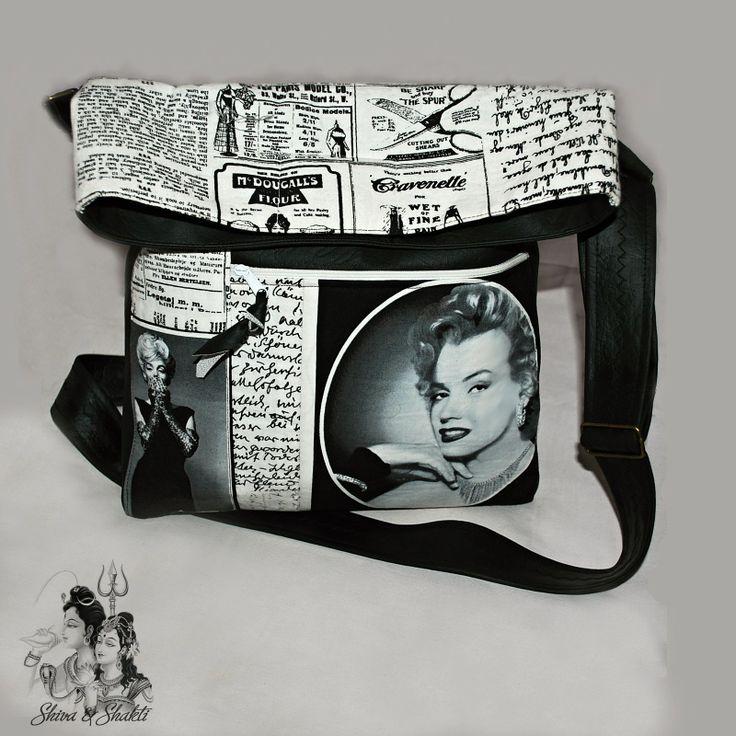 """KABELKA NEJEN CROSS BODY """" CESTOVÁNÍ S MARYLINE """" Módní trendy MALÁ-VELKÁ kabelka """"cross body"""" z černé koženky a bavlny s designem """"Maryline Monroe v novinách"""" Autorská extravagantní kabelka je ušita z pevné eko-kůže (koženky) černé barvy a ze100 % bavlny v odstínech: černo-bílá ze zahraniční dílny firmy Robert Kaufman - exkluzivní edice Hollywood stars. Bavlněné ..."""