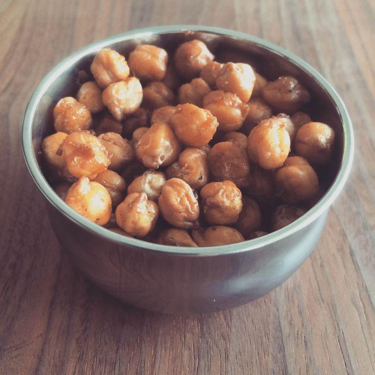 Healthy snack: roasted chickpeas / Gesunder Snack: Geröstete Kichererbsen, Rezept auf Deutsch