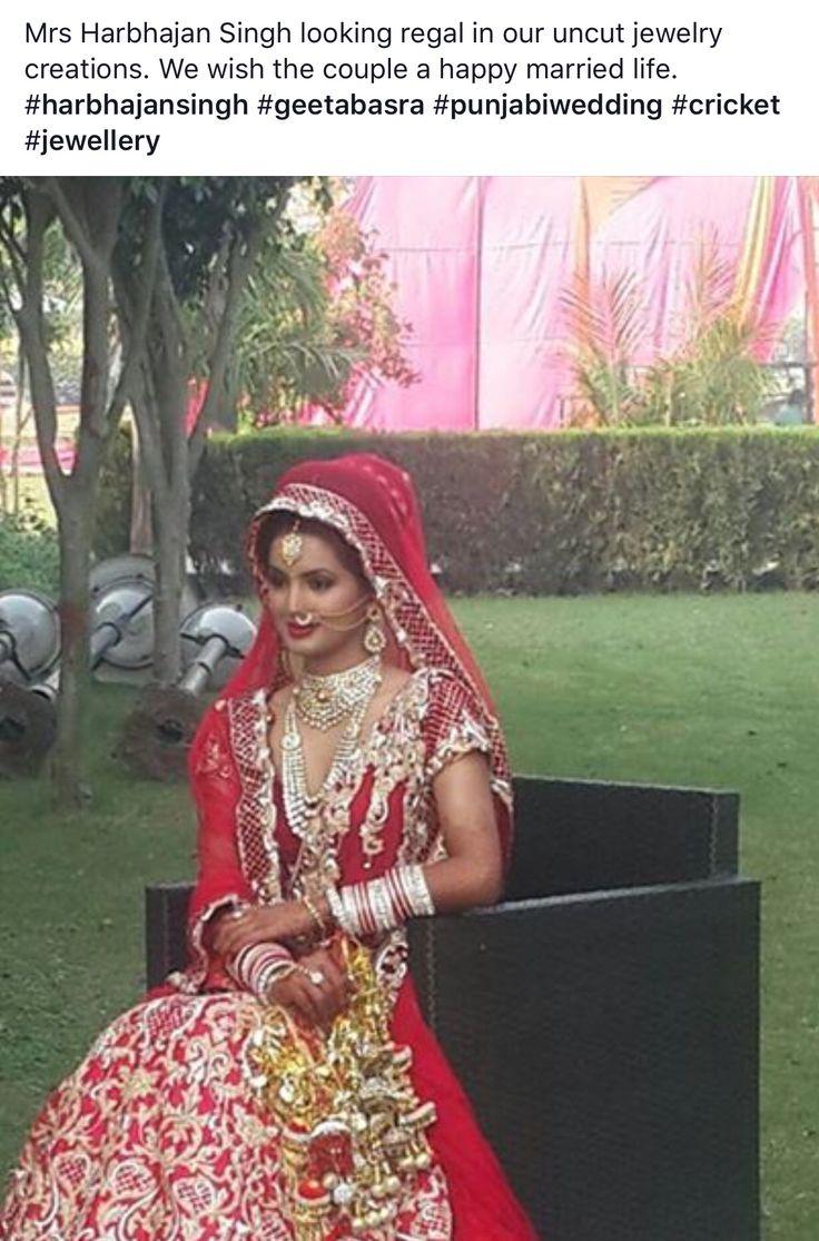 Mrs. Harbhajanj Singh in our regal Uncut diamond jewellery.