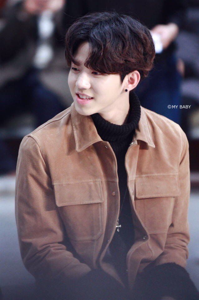 He's so fluffy. This outfit looks so good on him. <3 #DAY6 #DOWOON #FLUFFYBOY