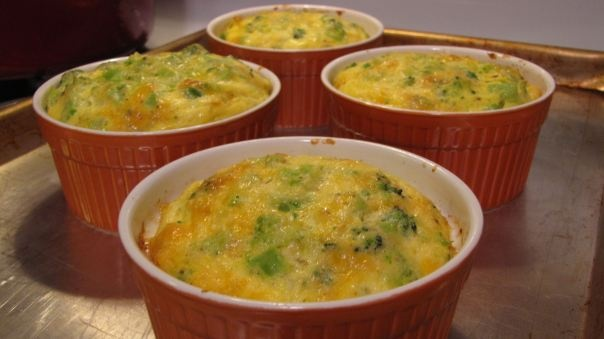 crustless broccoli-cheddar quiches | Food | Pinterest
