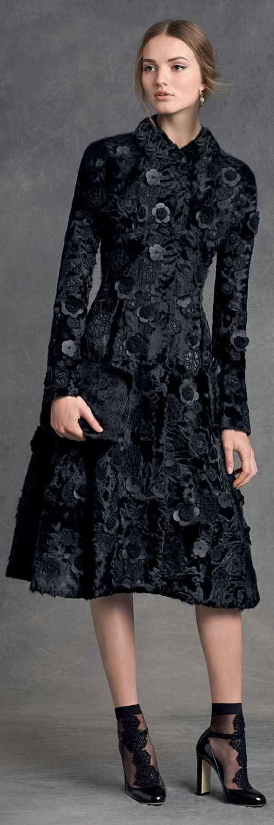 Dolce & Gabbana, Winter 2016. Latest fancy clothes for girl by newlatestfashion.com http://newlatestfashion.com/