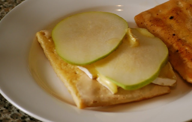 Brie, bacon and pear cinnamon pop tart grilled cheese