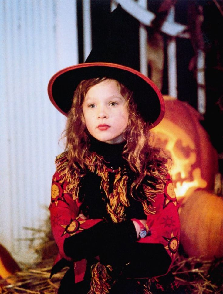 who plays the little girl in hocus pocus
