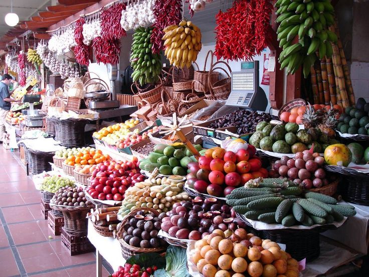 Mercado dos Lavradores, Funchal ... antes de comprar ou vender casa, ligue 963701529 Teresa Caires, também recebemos sua casa da venda ou arrendar... www.decisoesvibrantes.com