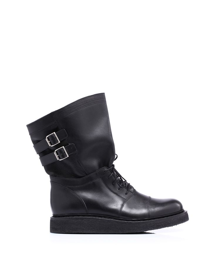 Leather ankle boot by @Pierre Balmain