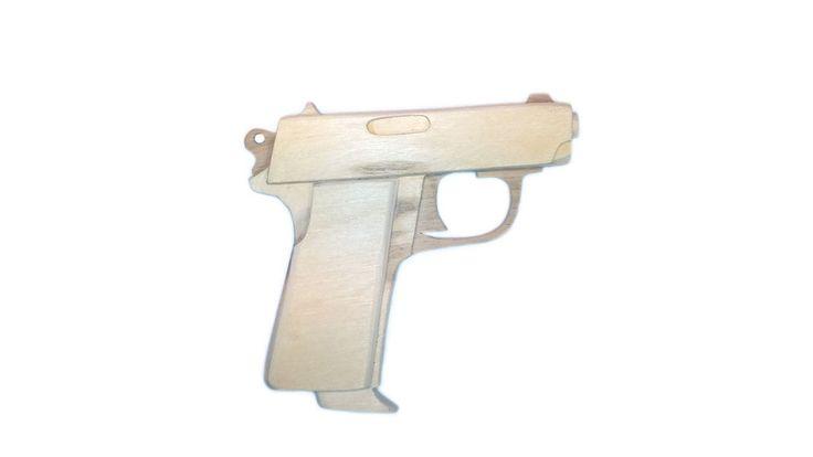 Макет популярного пистолета ТТ