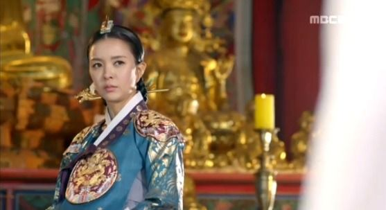 Splendid Politics(Hangul:화정;hanja:華政;RR:Hwajeong) is a 2015South Koreantelevision seriesstarringCha Seung-won,Lee Yeon-hee,Kim Jae-won.It aired onMBC. Prince Gwanghae, son of a concubine, usurps theJoseonthrone from his father King Seonjo's direct bloodline. Gwanghae executes the favored legitimate son, and exiles his half-sister Princess Jeongmyeong. Banished from the palace, Jeongmyeong lives as a commoner disguised as a man while plotting her revenge.  인목대비 신은정
