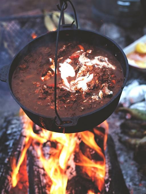 Chilli con carne cooked over a camp fire, perfect for bonfire night. Jamie Food | Jamie Oliver (UK)