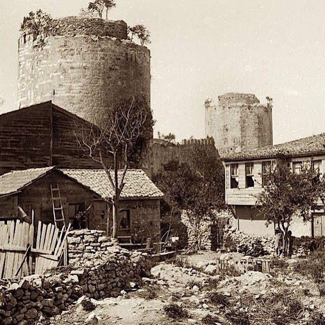 #yedikule #yedikulezindanları #yedikulefortress #seventowers #thecastleofseventowers #oldpic #oldistanbul #oldphoto #instapic #instaphoto #igersistanbul #igersturkey #photooftheday #goodoftheday #constantinople #istanbullife #istanbulcity #istanbuldayasam #istanbullove (Yedikule, Istanbul, Turkey)