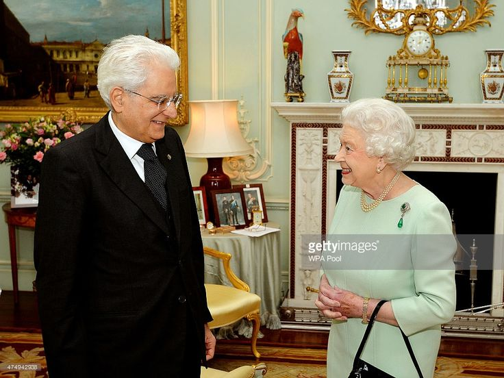 Queen Elizabeth II meets with the President of Italy, Sergio Matterella at the start of a private audience in Buckingham Palace on May 28, 2015 in London, England. (Photo by John Stillwell - WPA Pool/Getty Images)