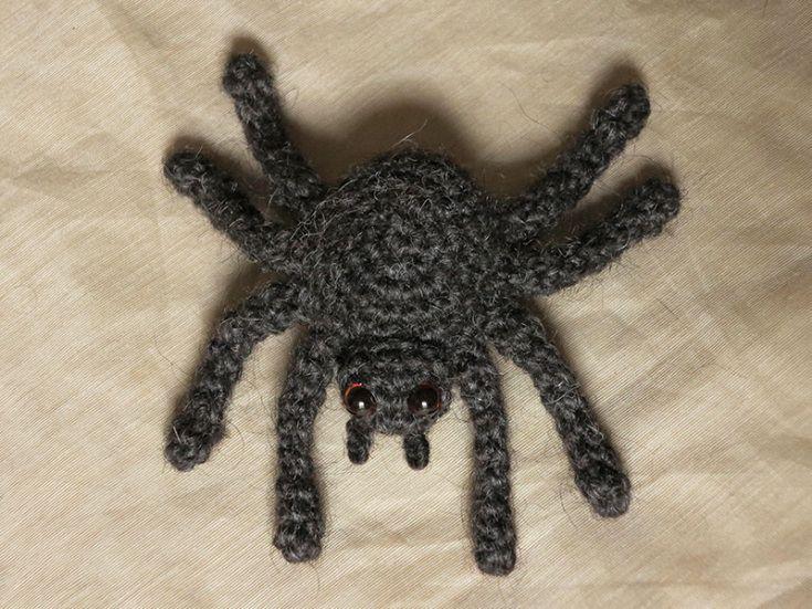 HALLOWEEN - CROCHET - SPIDER / ARAIGNEE / SPIN - Free crochet spider pattern by Sonja van der Wijk