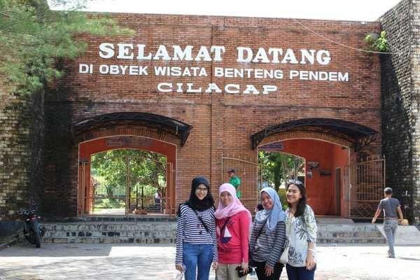 Sejarah Kelam Benteng Pendem Di Cilacap - http://darwinchai.com/traveling/sejarah-kelam-benteng-pendem-di-cilacap/