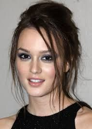 Leighton Meester: Height,Weight,Age,Bra Size,Affairs,Measurement