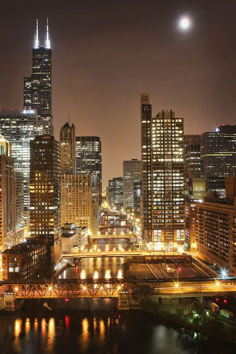 The best skyline I've personally seen so far & one of my favorite cities in the world - Chicago.