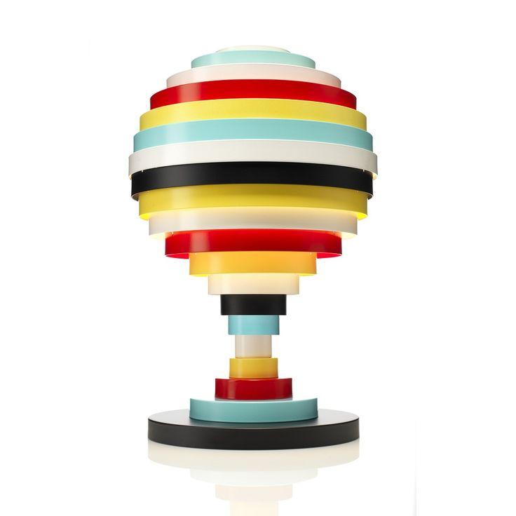 Lampe de table composée d'une structure en métal et aluminium multicolore et d'un câble d'alimentation équipé d'un interrupteur.Colorée et originale, la collection PXL ajoutera une touche de dyn...