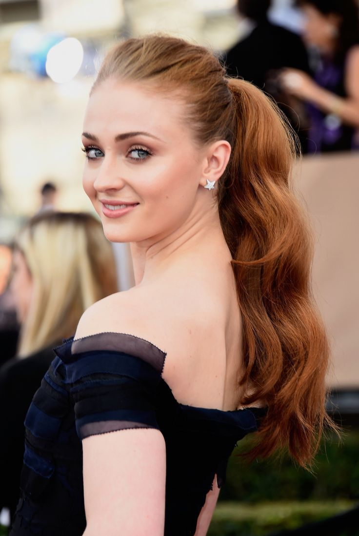 Sophie Turner | The Shoes, Bags, and Jewels at the SAG Awards Shined Brighter Than You Could Ever Imagine | POPSUGAR Fashion