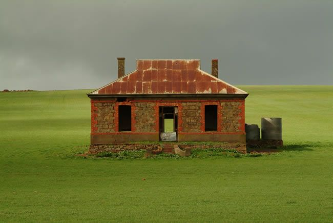 """Burra SA. This cottage was used as the album cover for Midnight Oil's """"Diesel and Dust""""."""