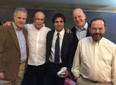 """♥ Fisesp realiza terceira edição do """"Papo de Redação"""" com os jornalistas Caio Blinder e Guga Chacra ♥ SP ♥  http://paulabarrozo.blogspot.com.br/2016/07/fisesp-realiza-terceira-edicao-do-papo.html"""