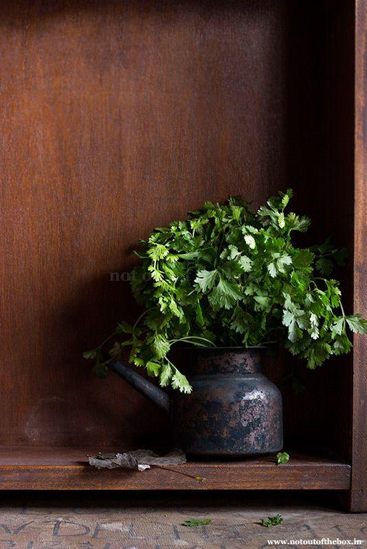Dhonepata Bata/Roasted paste of Coriander leaves
