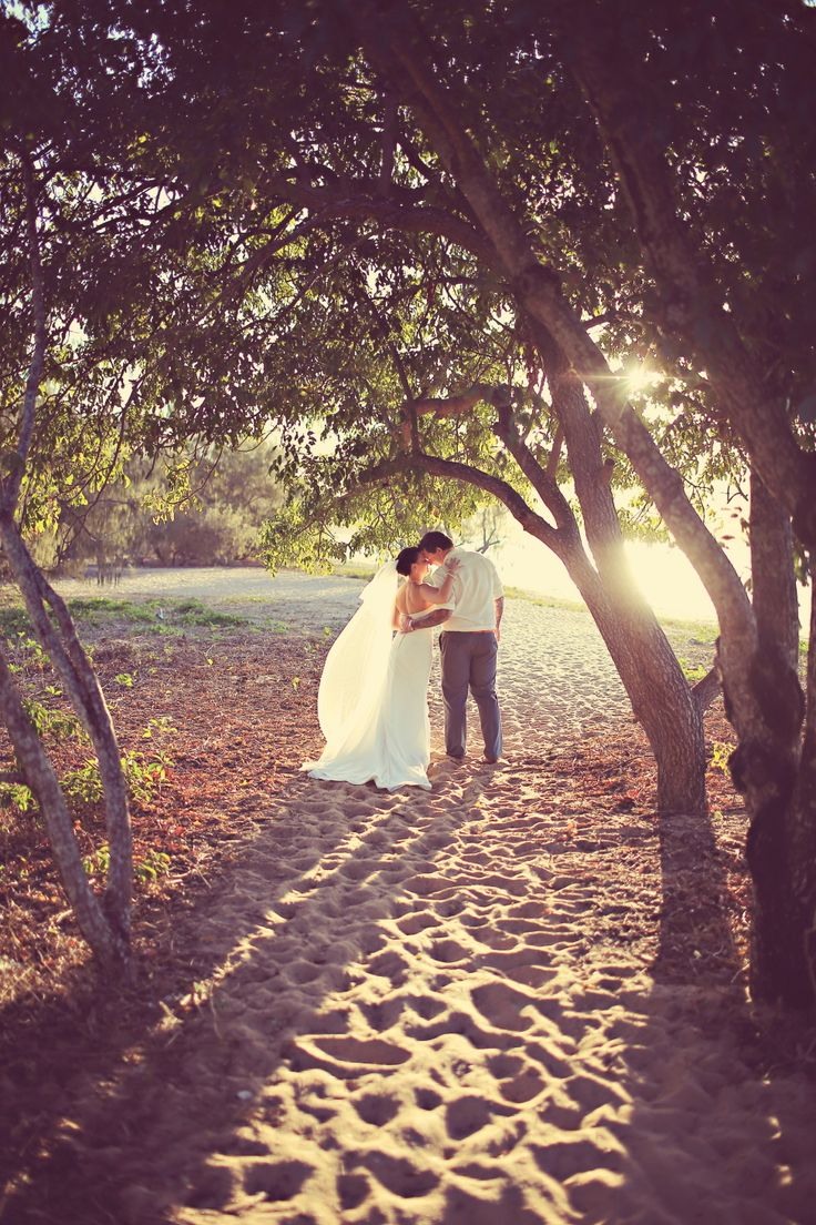 Roy Leigh Photographer - Beautiful Wedding Photography in Townsville - beautiful photography starts here