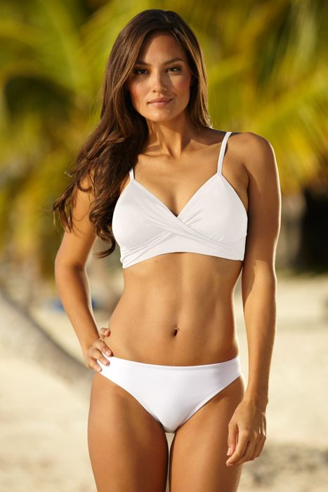 white twist bikini top a girl can dream bikini babes. Black Bedroom Furniture Sets. Home Design Ideas