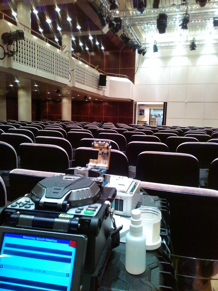 Installation IP-Kameras in der Alten Oper Frankfurt  Erstellung von Fusionspleißen
