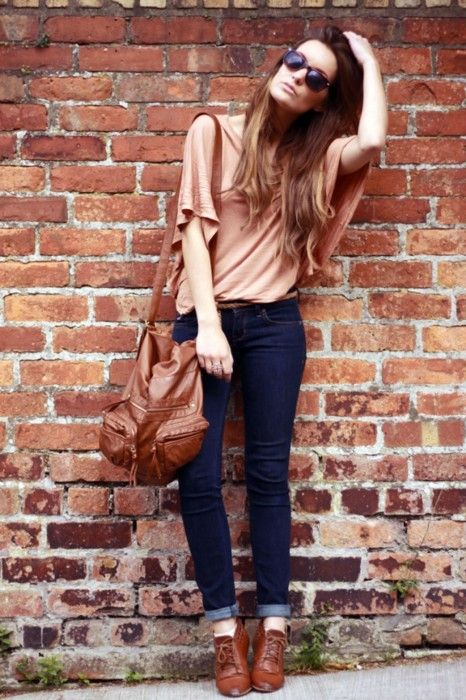 jeans, loose t-shirt, brown shoes