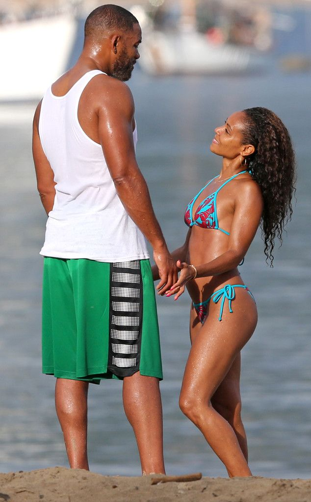 Jada Pinkett Smith's 42, Bikini Body and Will Smith 45.  Keep it hot | E! Online Mobile