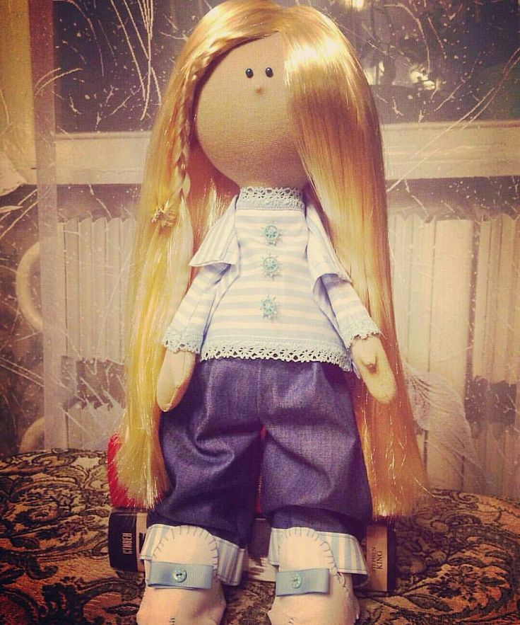 Девочка-морячка. Самостоятельно сидит, стоит неустойчиво - очень густые волосы))) Рапунцель прям. Отдается в самые добрые руки, стоит 1500 р. #кукла #хендмейд #кукласвоимируками #ручнаяработа #ласточкаизплюша #кукла_для_девочки #скороновыйгод #сделанослюбовью #сделаносдушой #подаркислюбовью