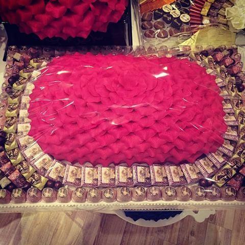 Шекспир с шоколадные розы Шекспир # # # Шоколад Эр-Рияд, Саудовская Аравия # # # Шоколад изготовлять сладости решение # # # шоколад и конфеты # Род #saudi #riyadh #chocolate #shakespeare