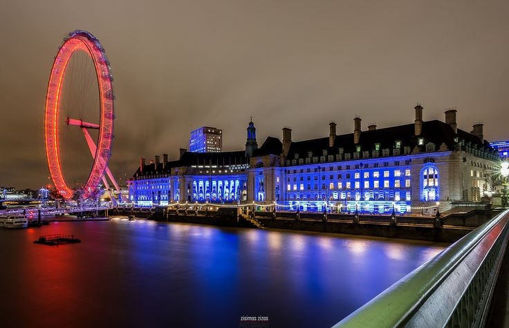 London Eye and County Hall - London Eye and County Hall at night