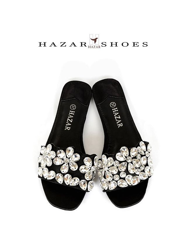 تمتعــوا بصيـف أنيق مع هـزار New Summer Collection 2018 New تشكيلة جـديـدة من موديـلات صيف 2018 Heel Height Flat إرتـفــــا Mule Shoe Shoes Instagram Feed