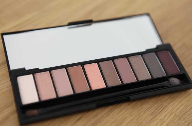 Virginie a pu tester la nouvelle palette de fards à paupières Color Riche La Palette Nude de L'Oréal Paris. Voici ce qu'elle en a pensé !