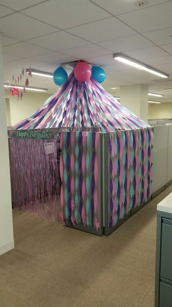 Best 25 office birthday ideas on pinterest office for Cubicle decoration xmas