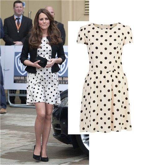 Nuevo vestido de Kate Middleton fue el más comprado del mes http://www.wapa.pe/moda/2013-04-28-nuevo-vestido-de-kate-middleton-fue-el-mas-comprado-del-mes