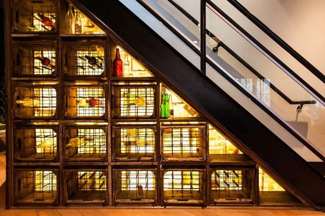Afbeelding van http://www.pentainteriors.com/wp-content/uploads/2015/01/Epic-Industrial-Wine-Cellar-Room-Design-Interior-Completed-with-Small-Wooden-Wine-Rack-Furniture-Ideas.jpg.