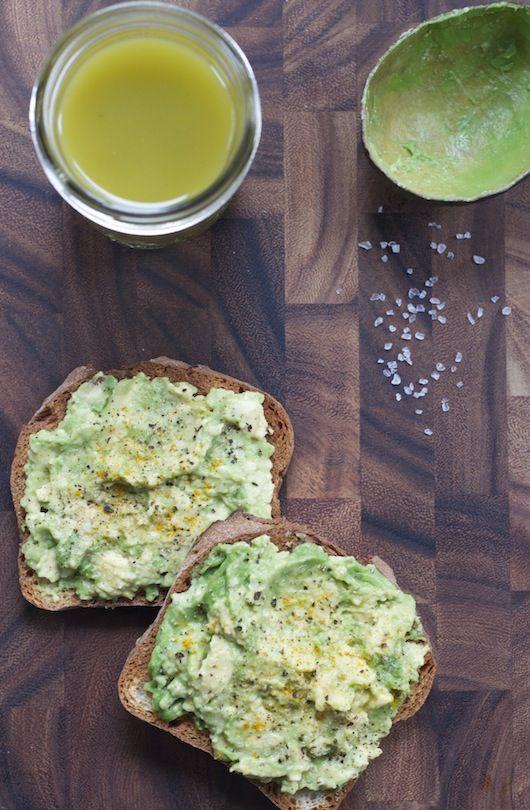 Avocado on Toast & Green Juice