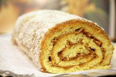 Brazo de Reina! This is a yummy cake!!!