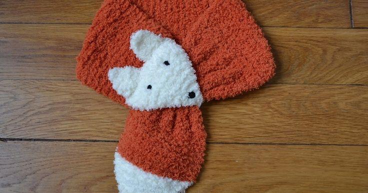 J'avais repéré cette écharpe depuis un moment sur Pinterest mais j'attendais une occasion de la tricoter. C'est la naissance d'un petit bonh...