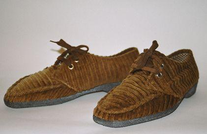Se, joka tuntee Retu-kengät, on todennäköisesti elänyt jonkin pätkän 1970-lukua. Kuva: Yle Kuvapalvelu