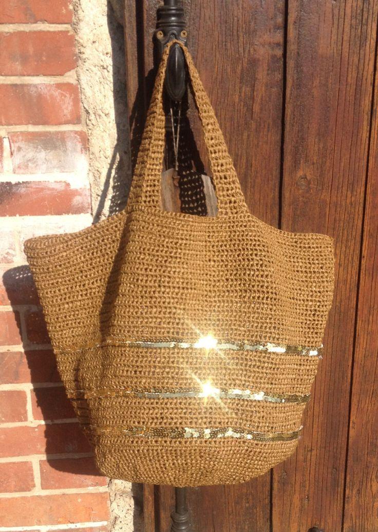 Cabas-sac en raphia naturel et paillettes sur commande de la boutique Desaiguillesetdufil sur Etsy