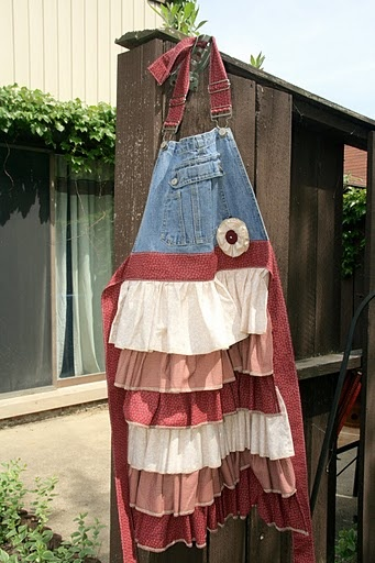 Pioneer aprons...cute!