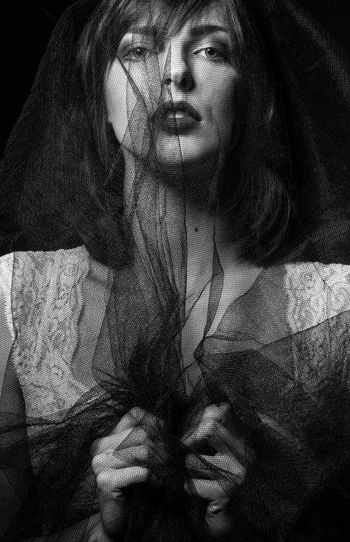 Fashion shoot, dark, moody, edgy, black and White, tull shoot, tull, fabric
