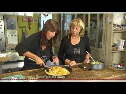 Il vegano per le feste - Ciambella di riso integrale Basmati con salsa al curry - YouTube
